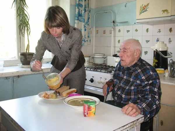 Социальное обслуживание на дому станет платным