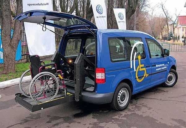 В России снова хотят выдавать автомобили инвалидам