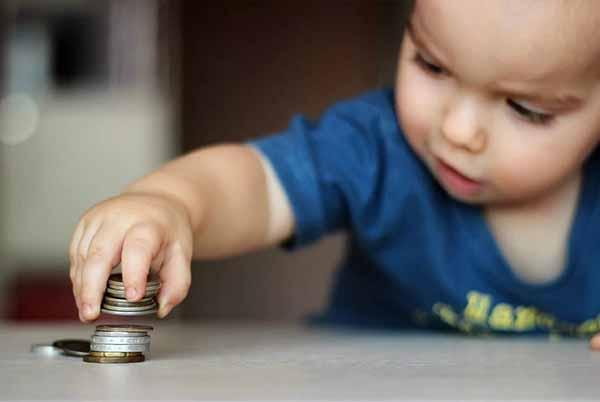 Декретные выплаты неработающим мамам в 2019 году, как получить пособие на детей, советы юристов