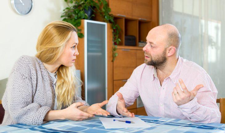 Бывшие супруги обсуждают иск